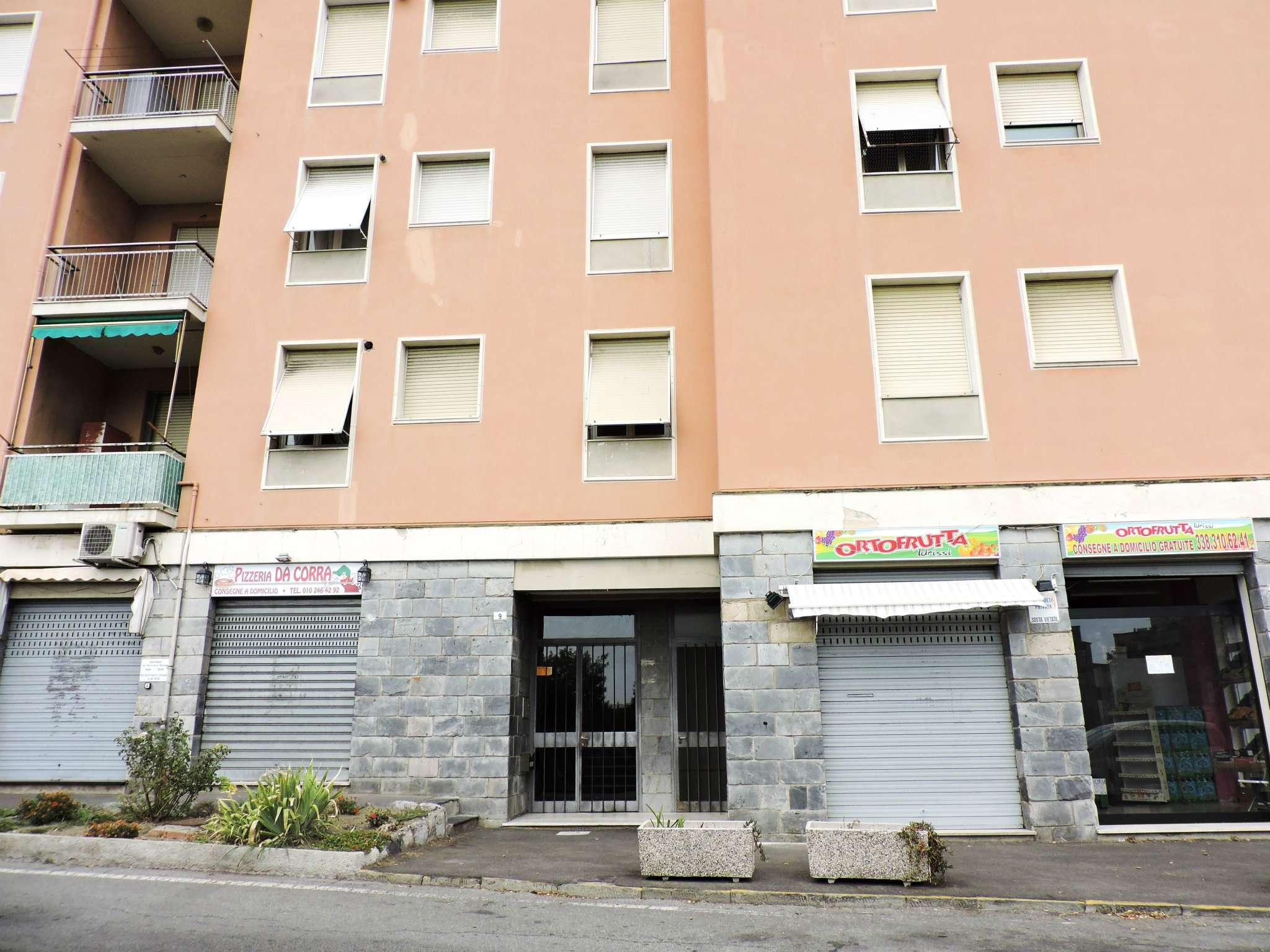 Bilocale Genova Via Mura Angeli 1