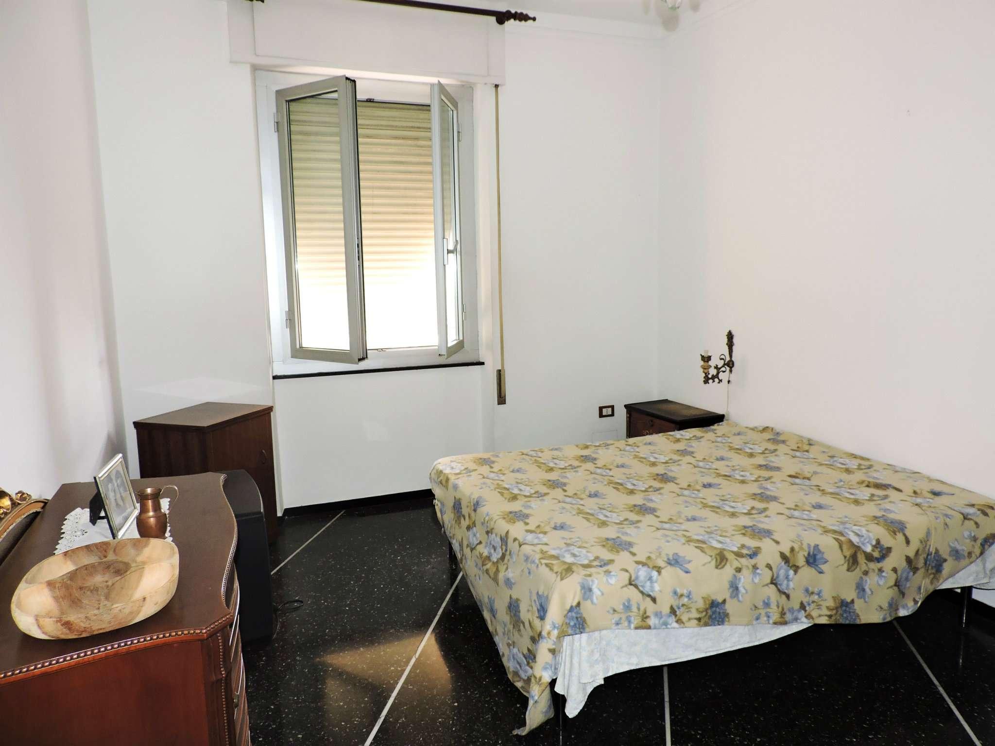 Bilocale Genova Via Mura Angeli 5
