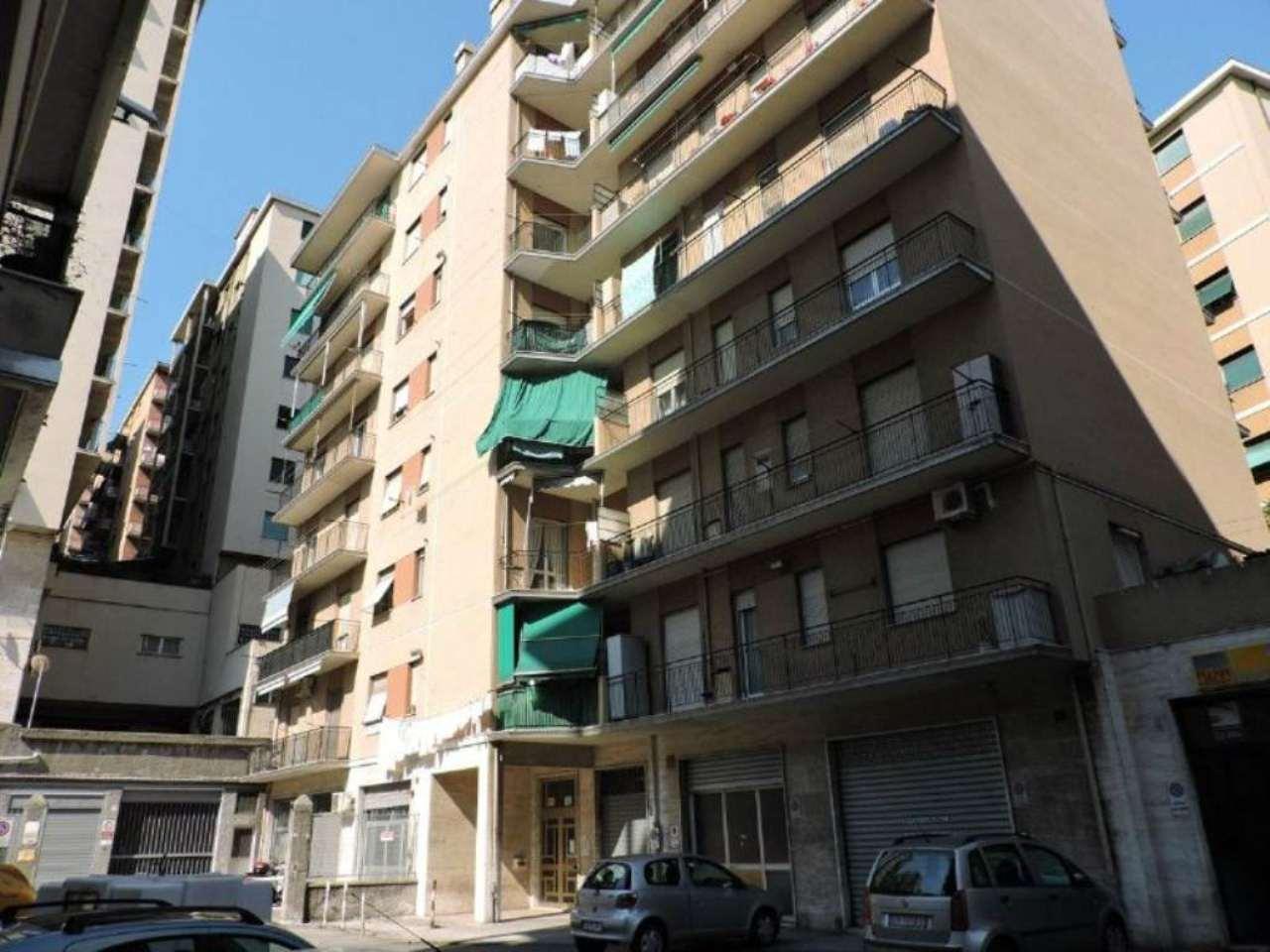 Bilocale Genova Via Manfredo Fanti 2