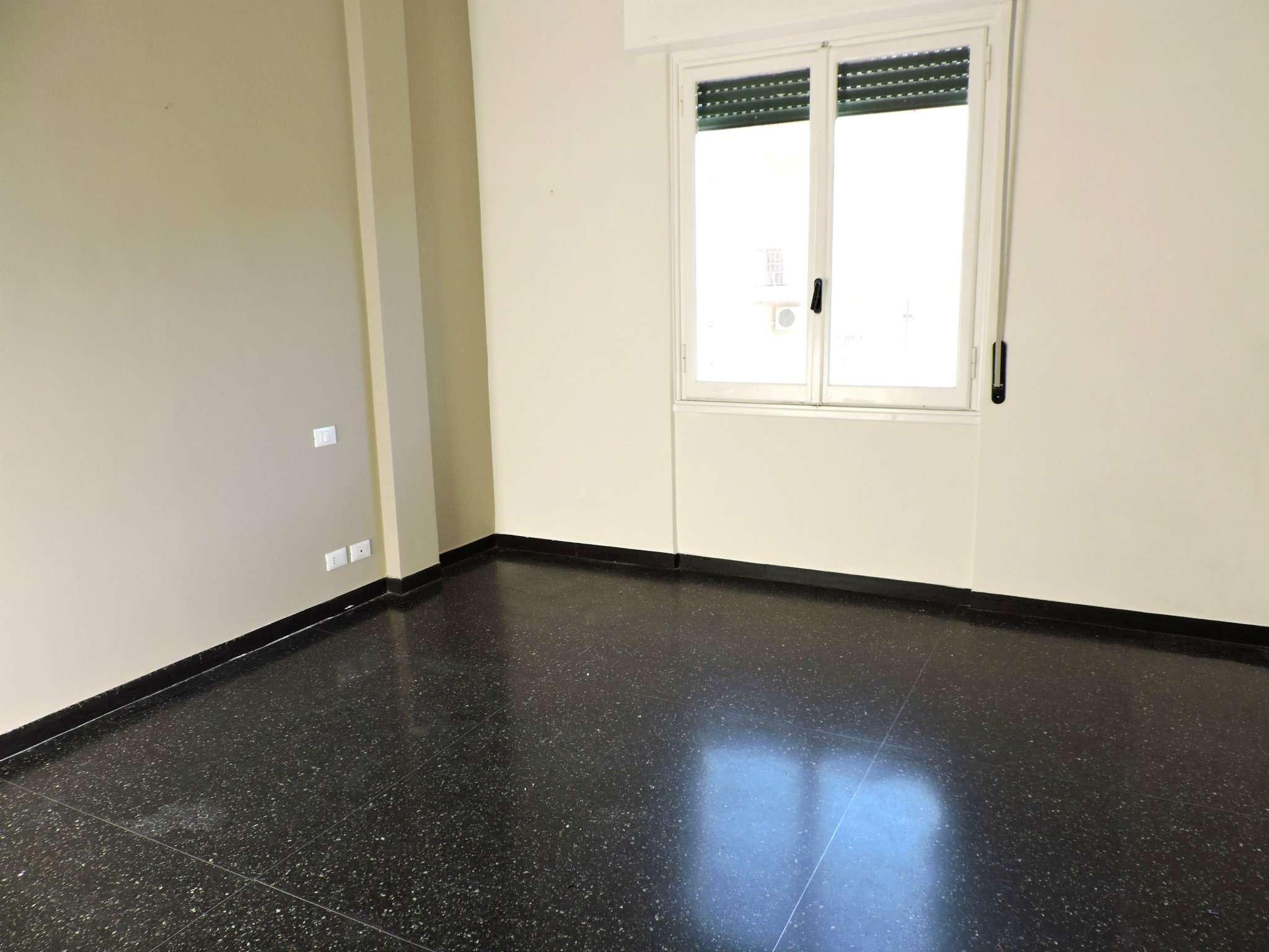 Bilocale Genova Corso Luigi Andrea Martinetti 11