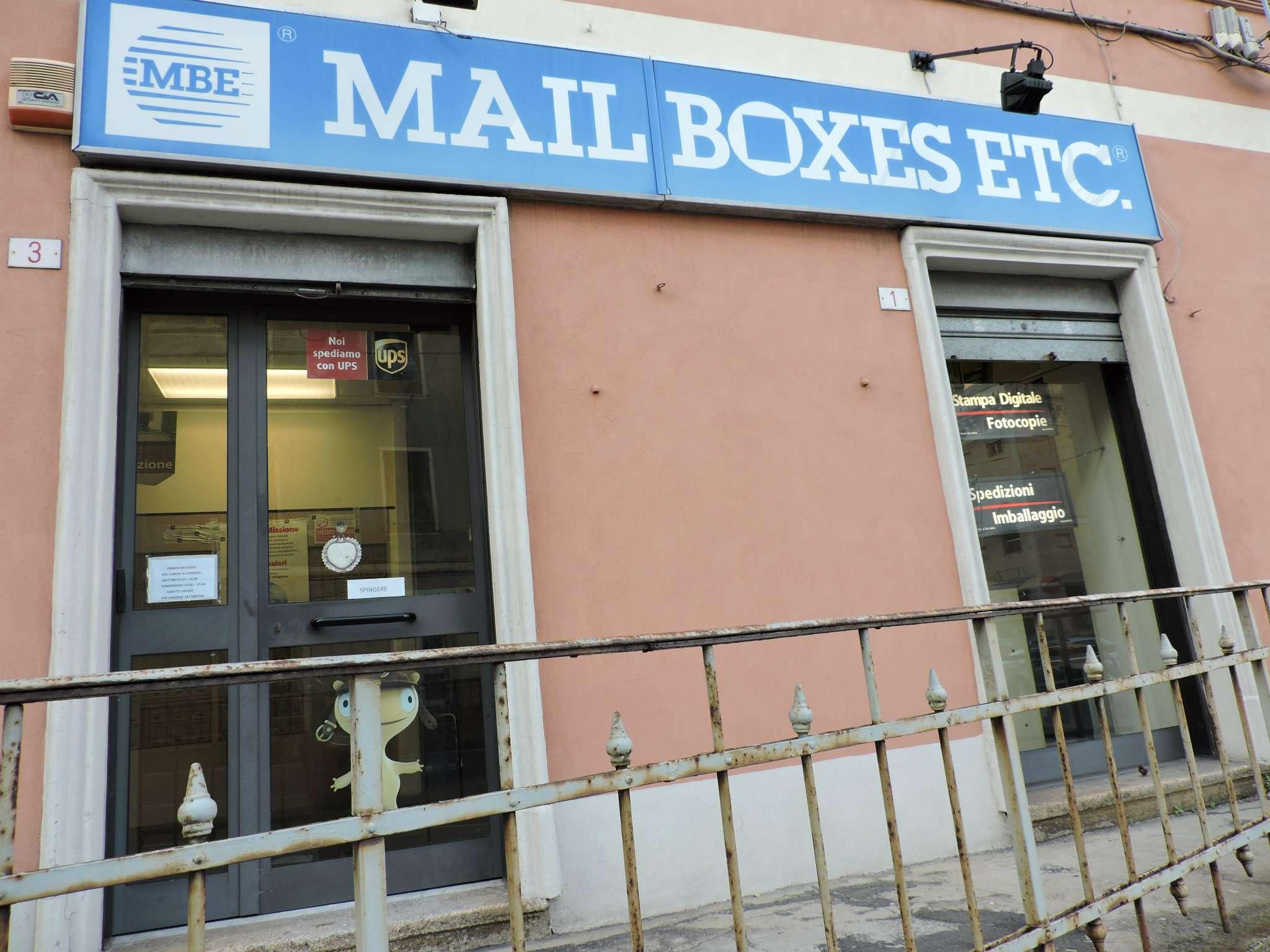 Negozio / Locale in vendita a Genova, 3 locali, zona Zona: 8 . Sampierdarena, Certosa-Rivarolo, Centro Ovest, S.Teodoro, prezzo € 200.000 | CambioCasa.it