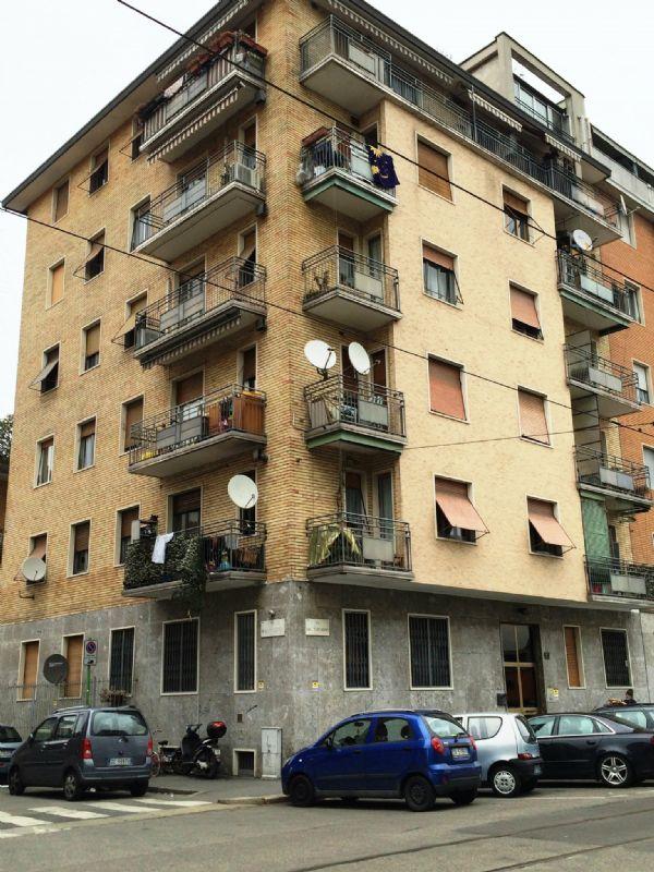 Bilocale Milano Via Del Turchino 1