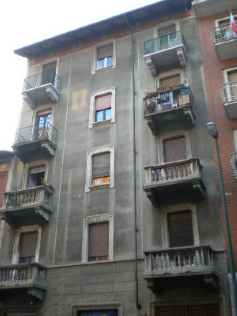 Bilocale Torino Via Domodossola 1