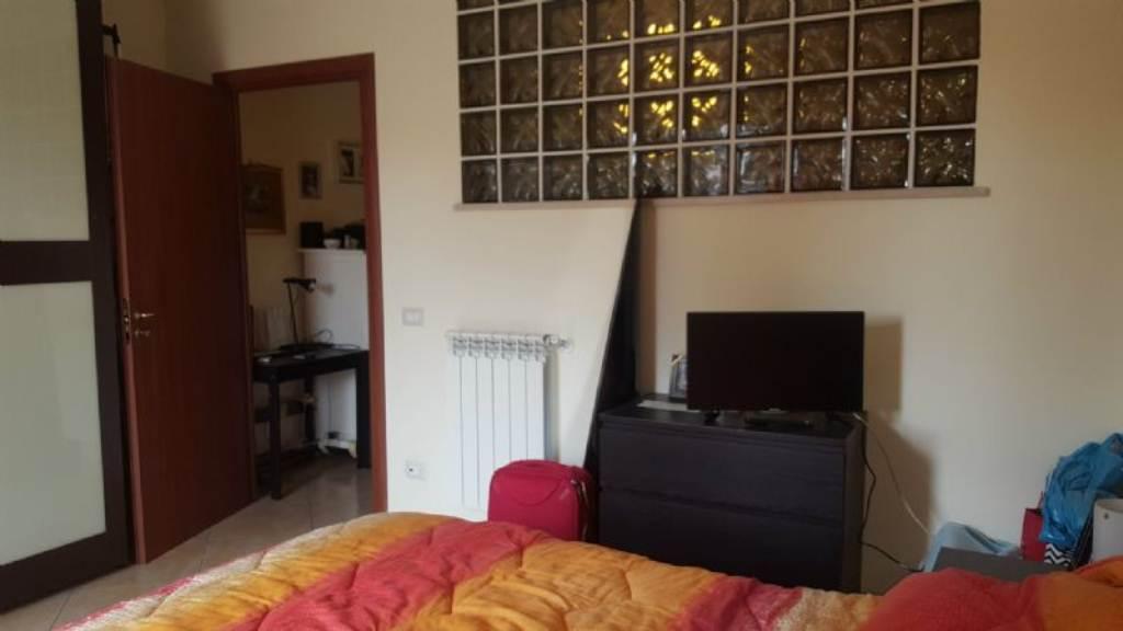 Bilocale Napoli Via Via San Cosmo Fuori Porta Nolana 9