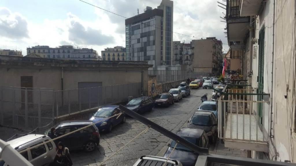 Bilocale Napoli Via Via San Cosmo Fuori Porta Nolana 10
