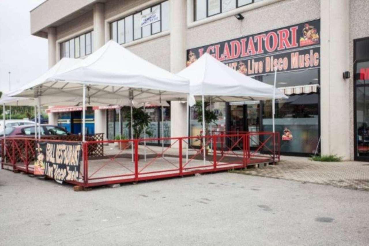 Negozio / Locale in vendita a Roletto, 6 locali, prezzo € 500.000 | CambioCasa.it
