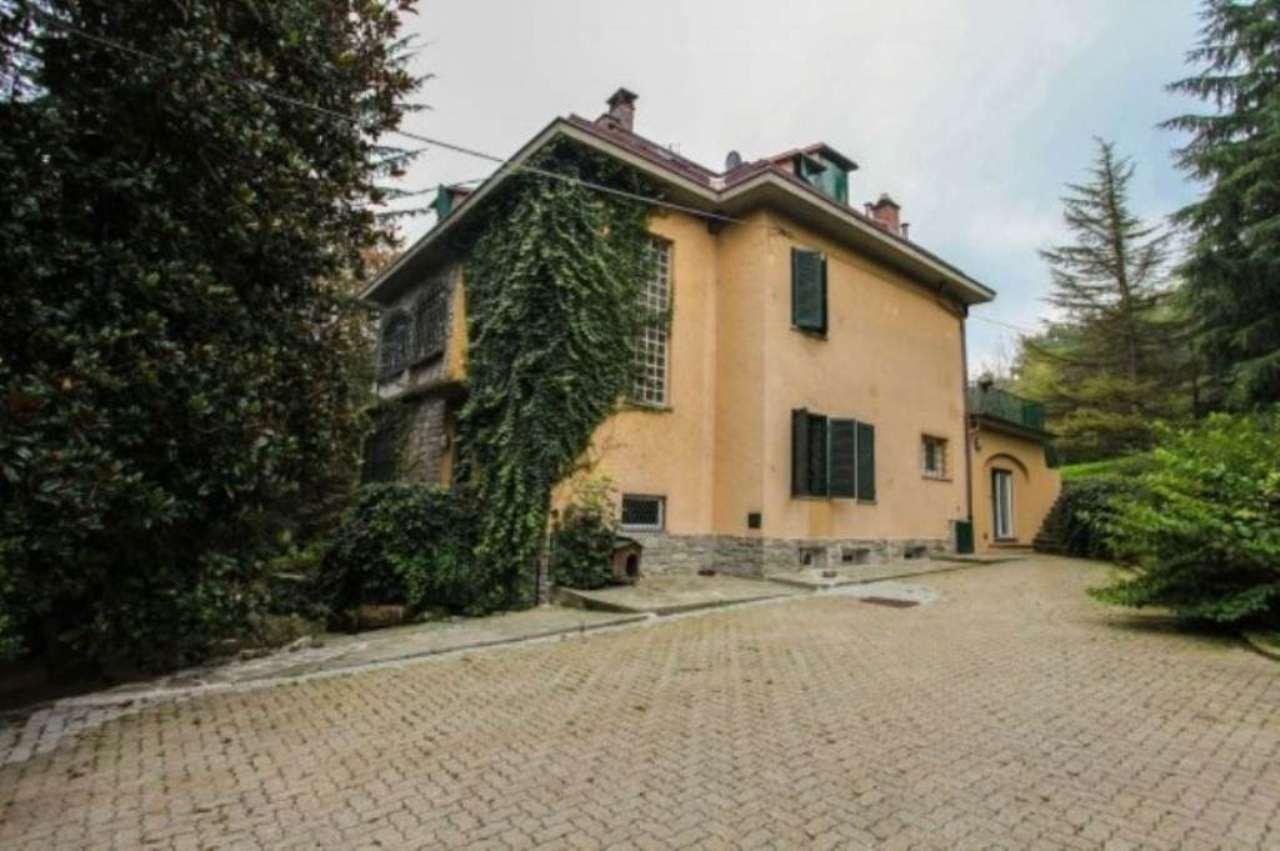 Foto 1 di Villa strada Comunale Val Salice 160, Torino (zona Precollina, Collina)