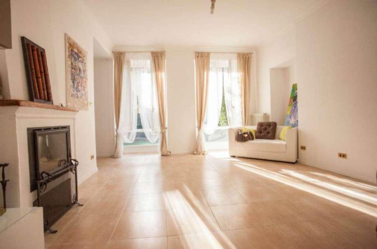 Palazzo / Stabile in vendita a Viverone, 11 locali, prezzo € 395.000   Cambio Casa.it