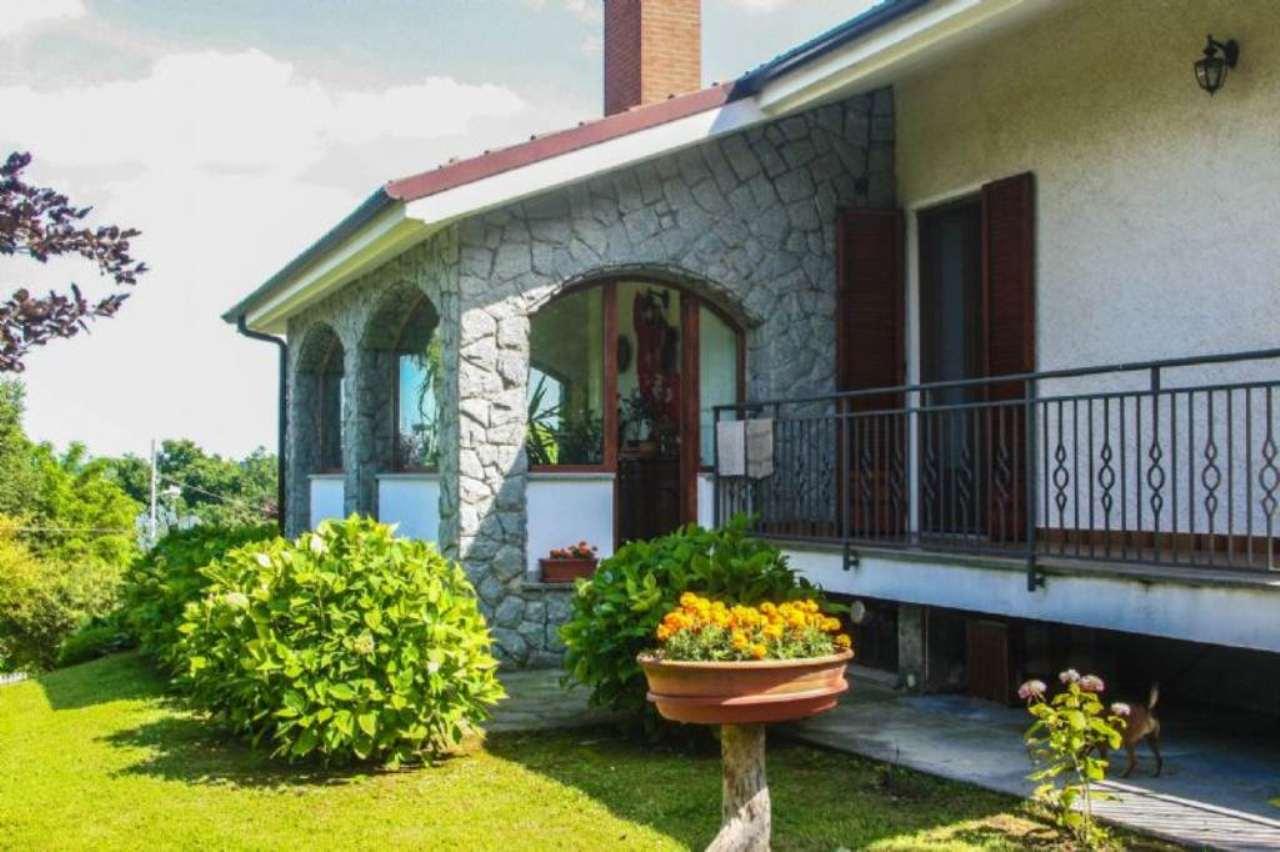 Villa in vendita a Montafia, 9 locali, prezzo € 495.000 | CambioCasa.it