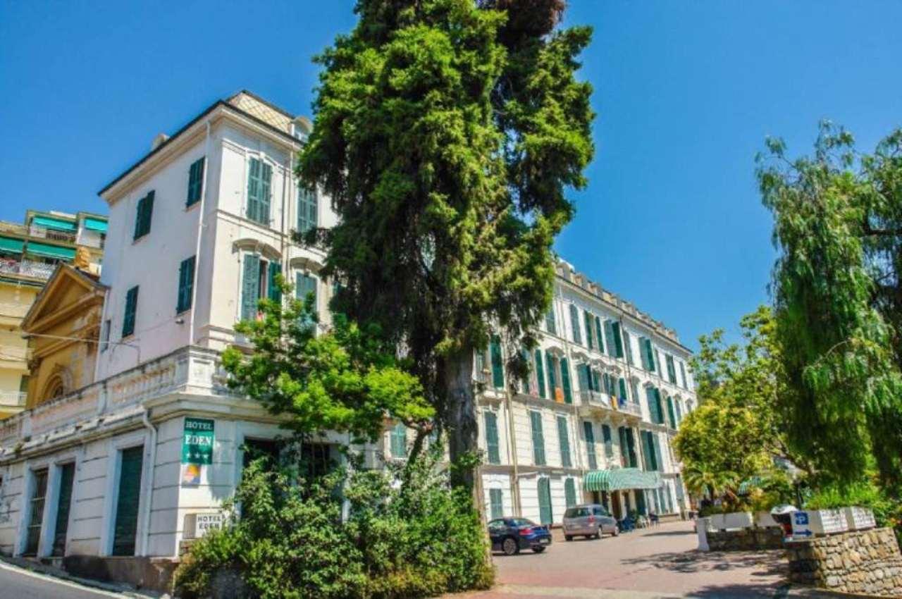 Immobile Commerciale in vendita a SanRemo, 99 locali, prezzo € 7.500.000 | Cambio Casa.it