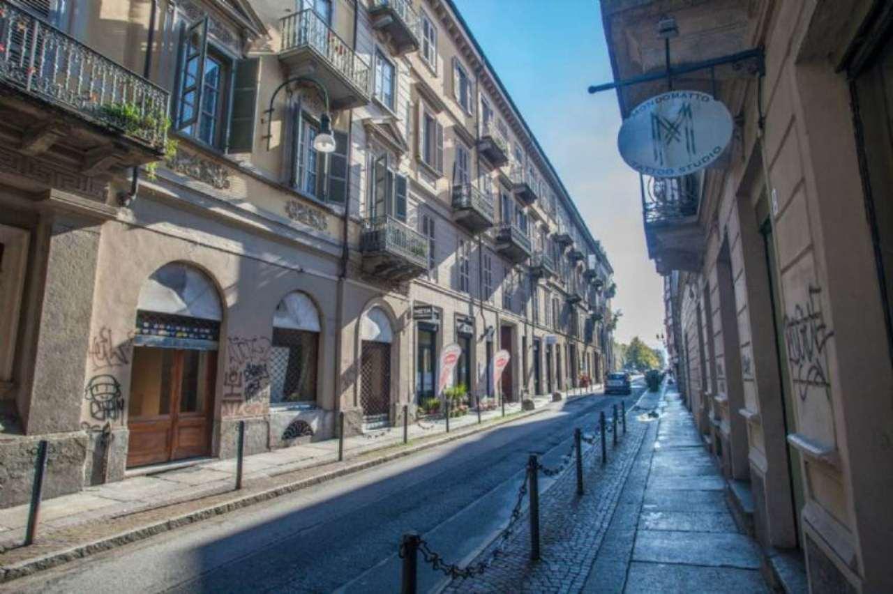 Bilocale Torino Via Fratelli Calandra 1