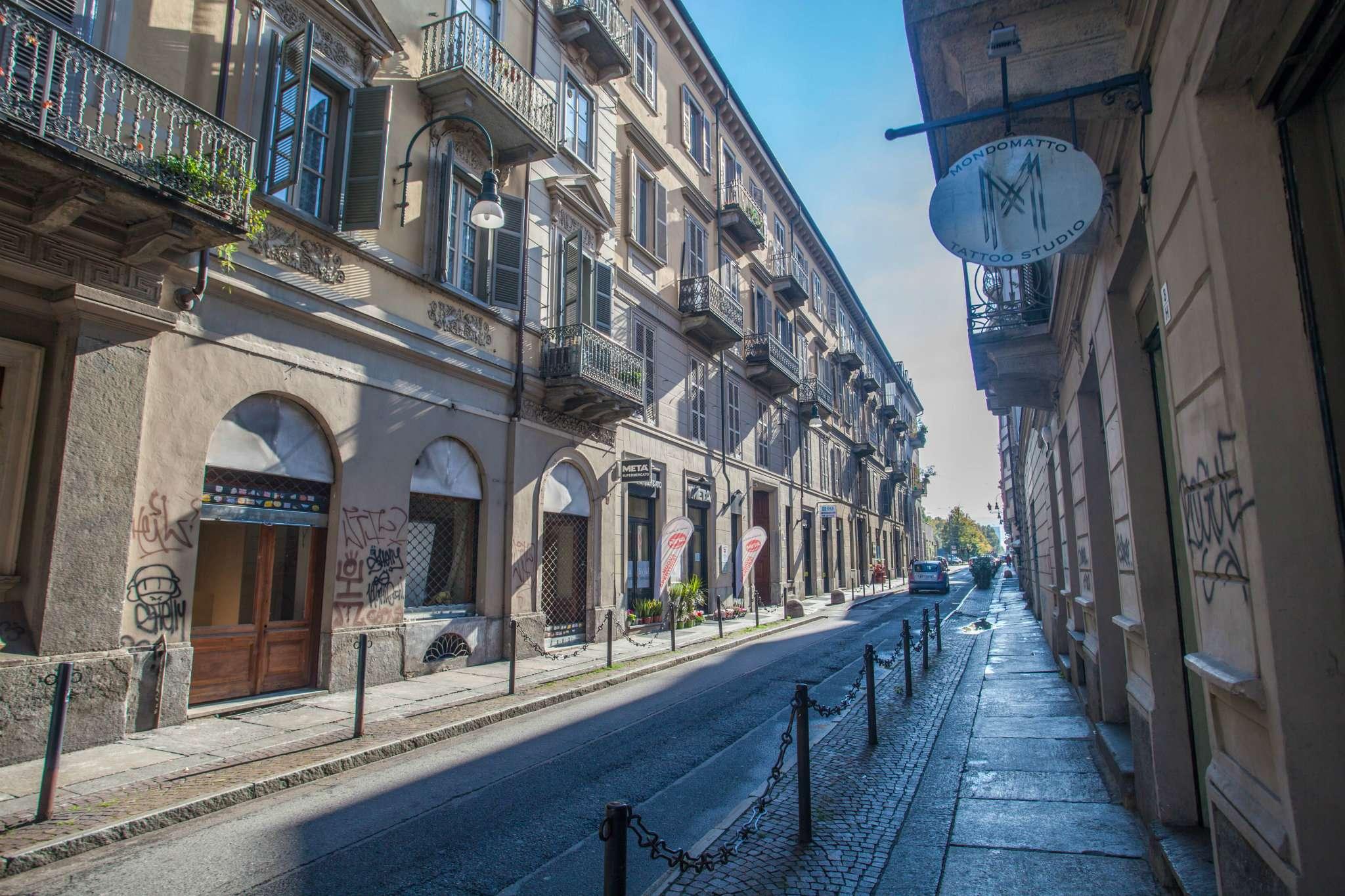 Bilocale Torino Via Fratelli Calandra 7