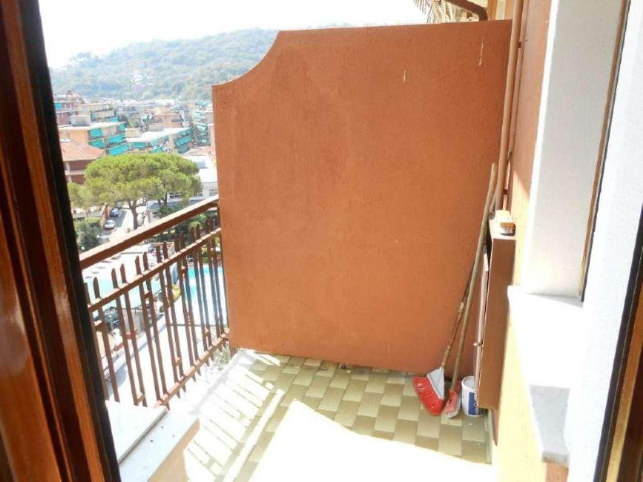 Bilocale Rapallo Via Toti 13
