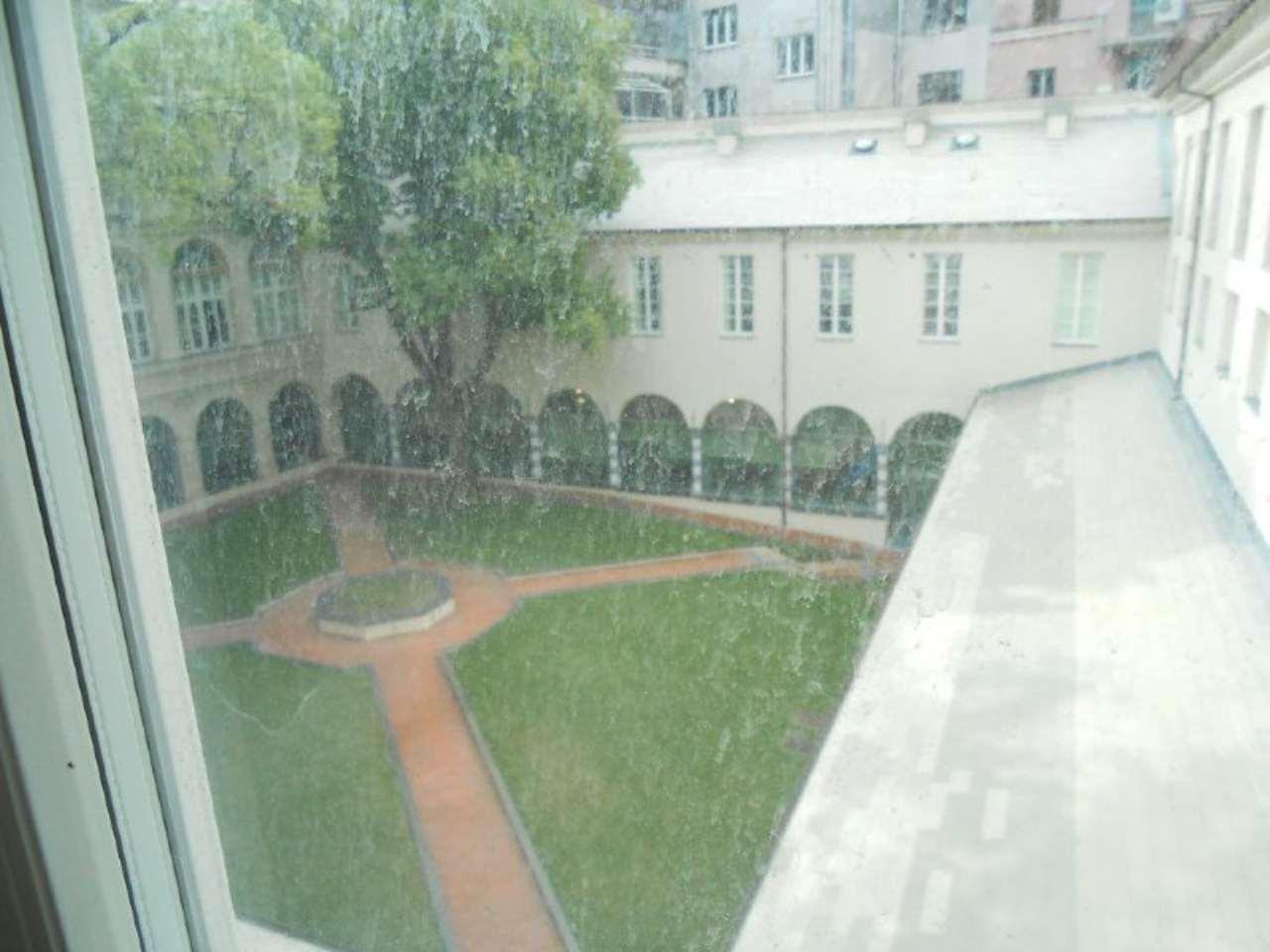 Bilocale Genova Via Assarotti 13