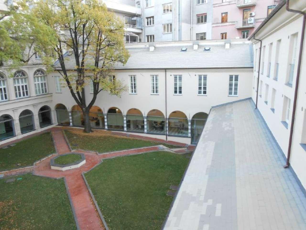 Bilocale Genova Via Assarotti 2
