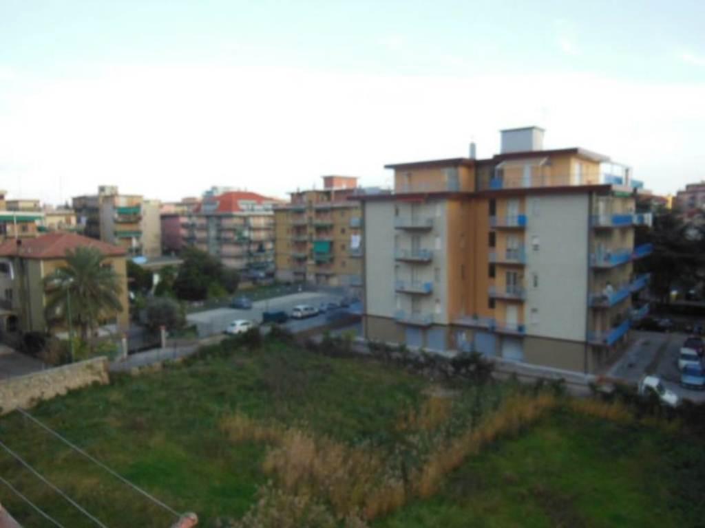 Vendita  bilocale Borghetto Santo Spirito Via  Giardini 1 836539