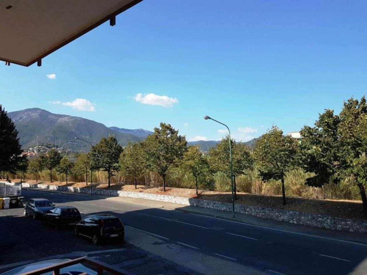 Bilocale Borghetto Santo Spirito Via Tevere 5