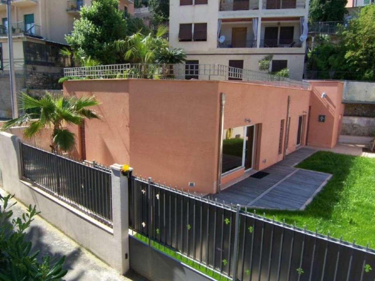 Villa in vendita a Finale Ligure, 4 locali, prezzo € 1.150.000 | Cambio Casa.it