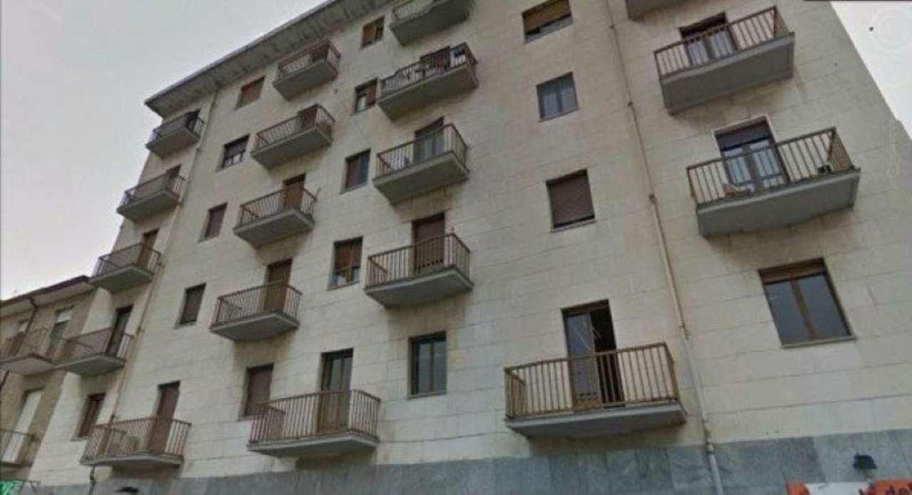Bilocale Torino Via Tunisi 2