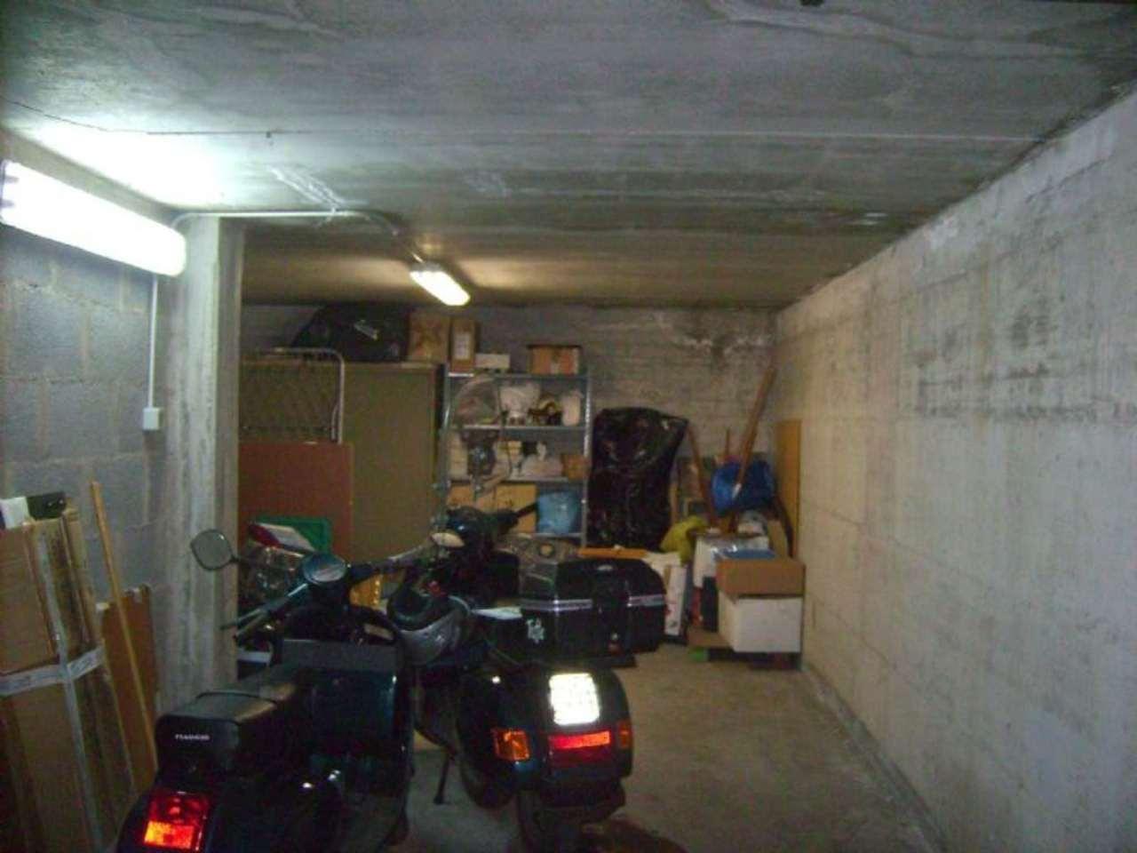 garage-Box-posto auto  in Vendita a Velletri