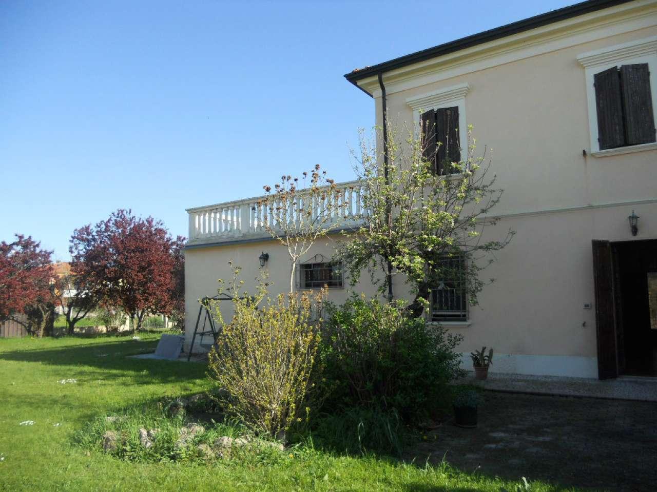 Soluzione Semindipendente in Vendita a Santarcangelo di Romagna