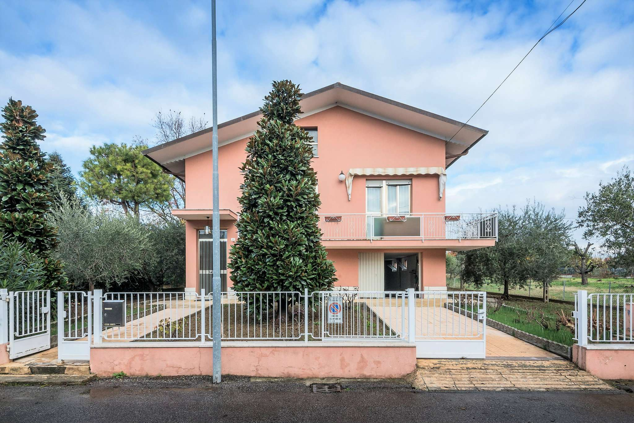 Soluzione Indipendente in Vendita a Santarcangelo di Romagna