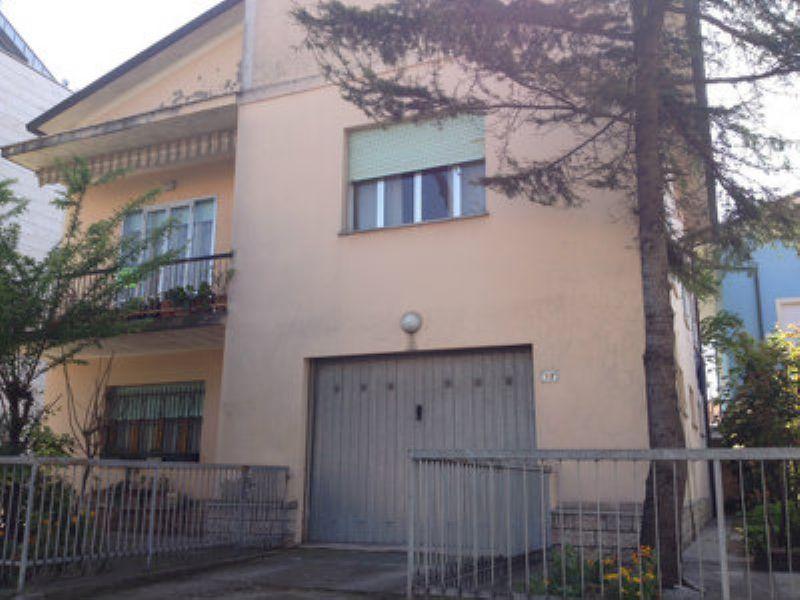 Soluzione Indipendente in vendita a Bellaria Igea Marina, 5 locali, prezzo € 335.000   Cambio Casa.it