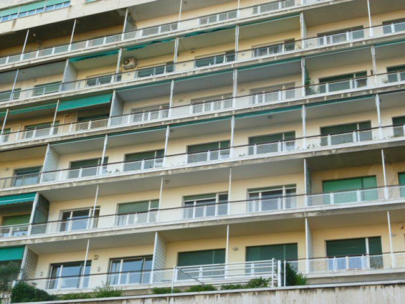Bilocale Genova Piazza Rossetti 3