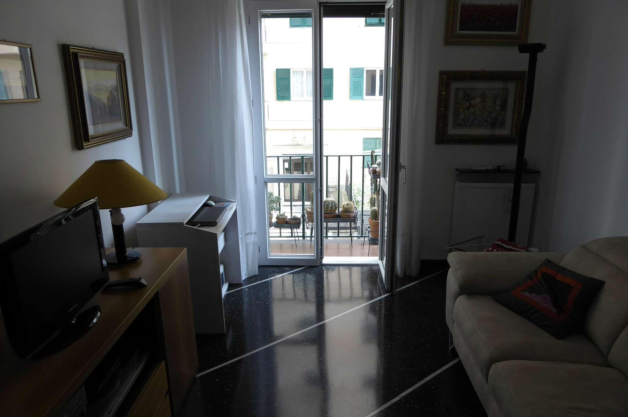Bilocale Genova Via Sapeto 5
