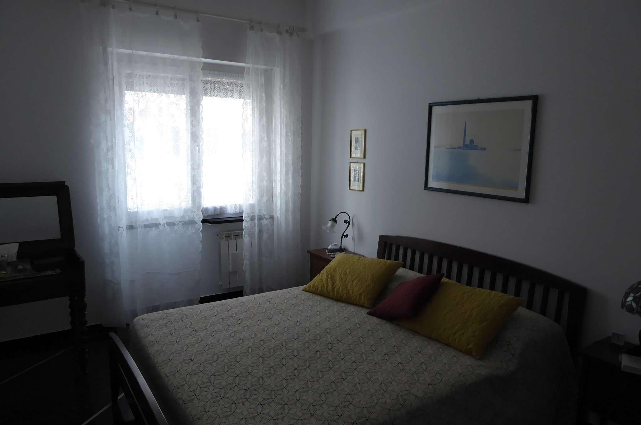 Bilocale Genova Via Sapeto 10
