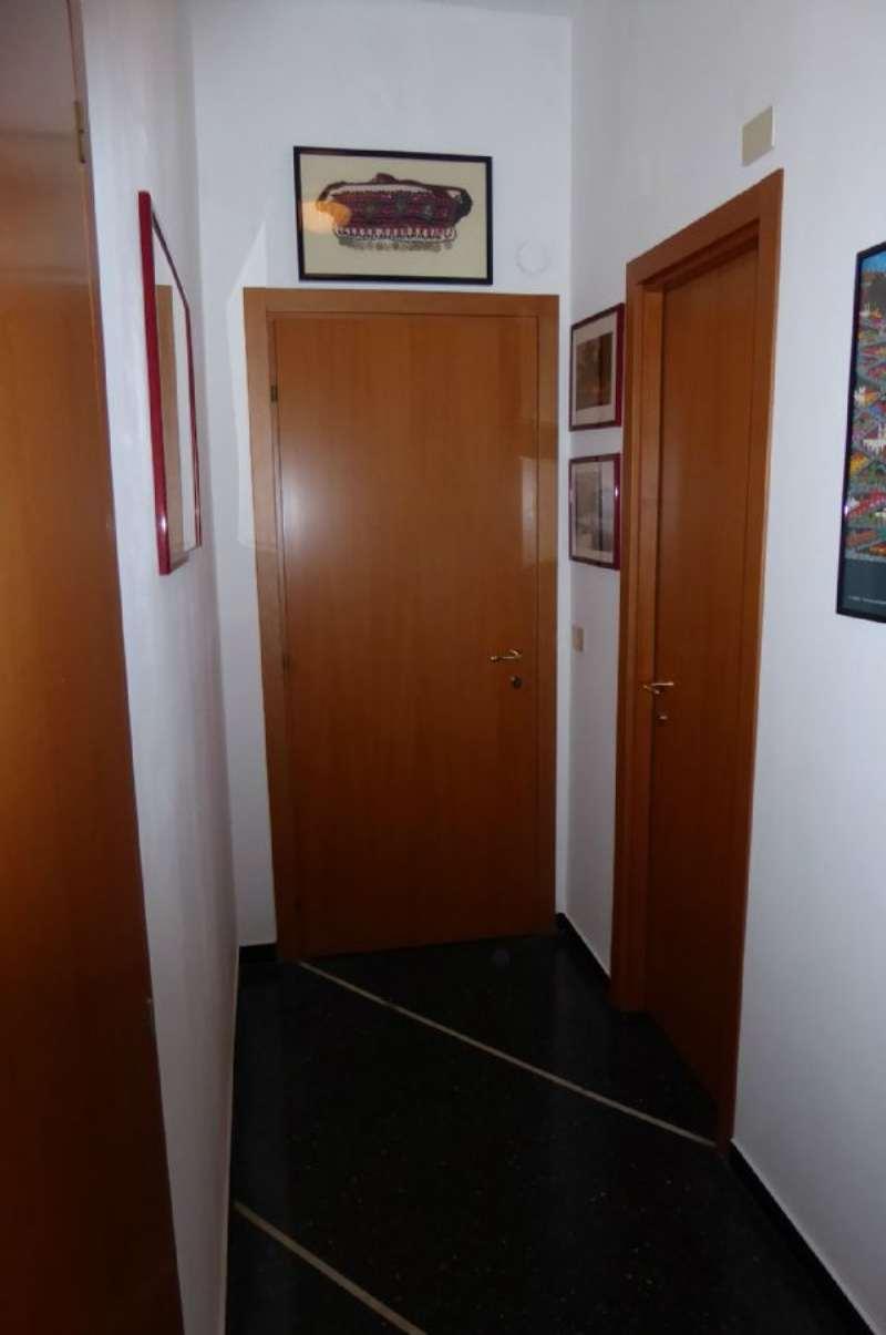 Bilocale Genova Via Sapeto 4