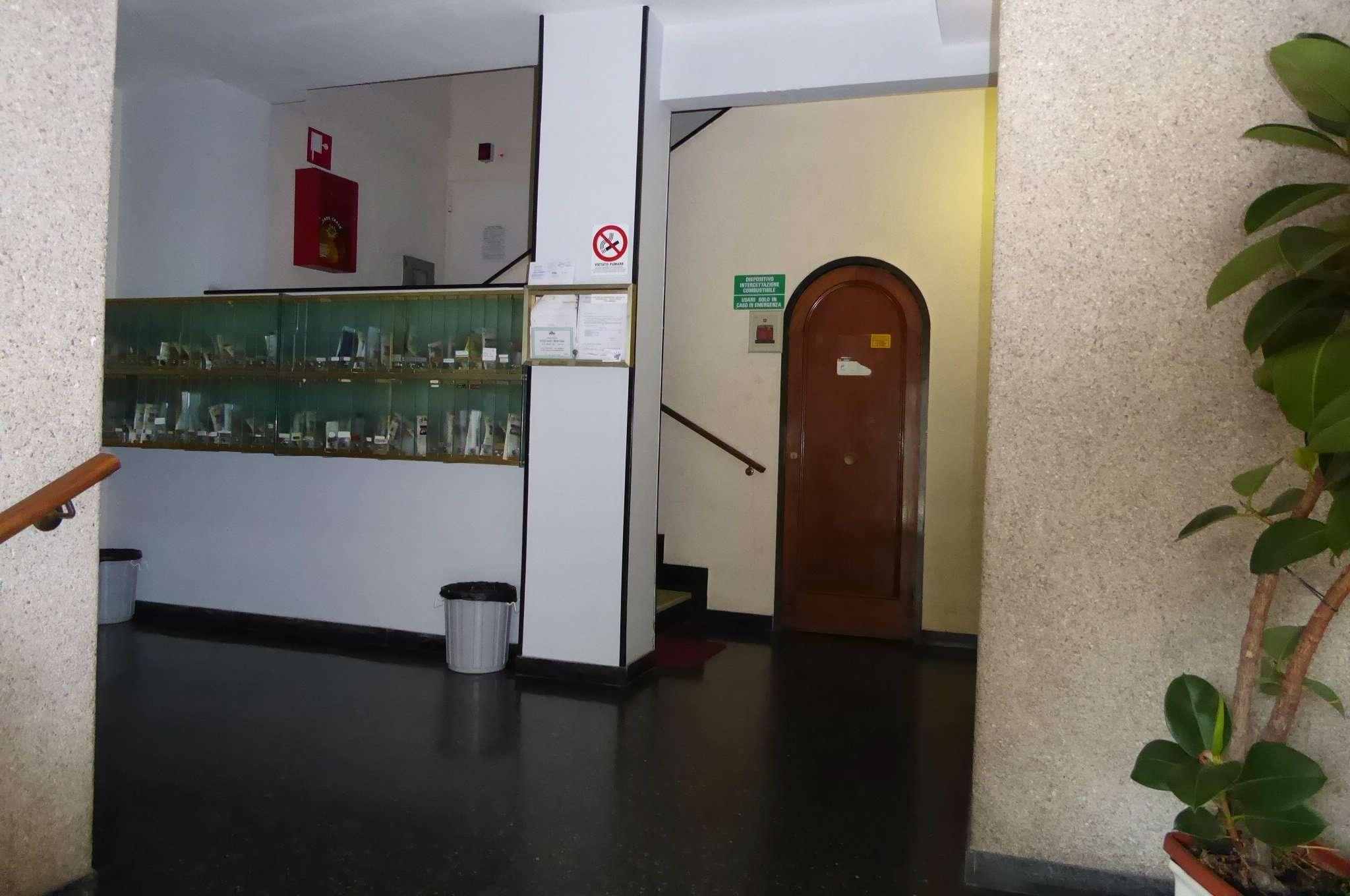 Bilocale Genova Via Sapeto 3
