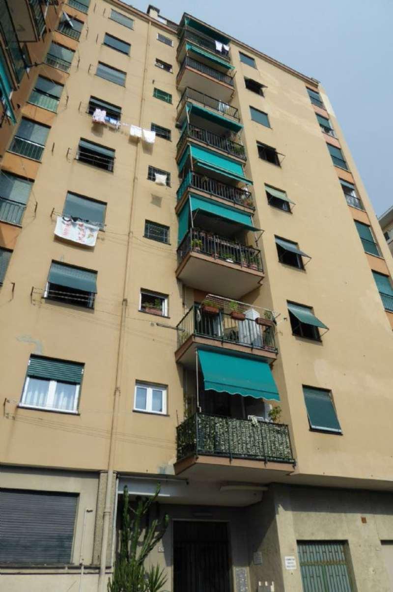 Bilocale Genova Via Sapeto 1