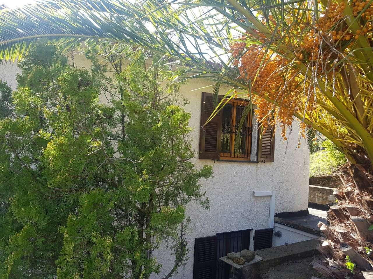 Villa in vendita a Deiva Marina, 7 locali, prezzo € 320.000 | Cambio Casa.it