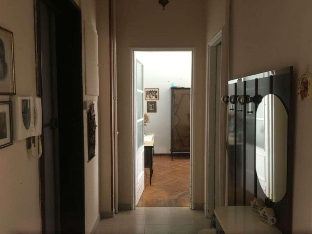 Bilocale Torino Via Zumaglia 5