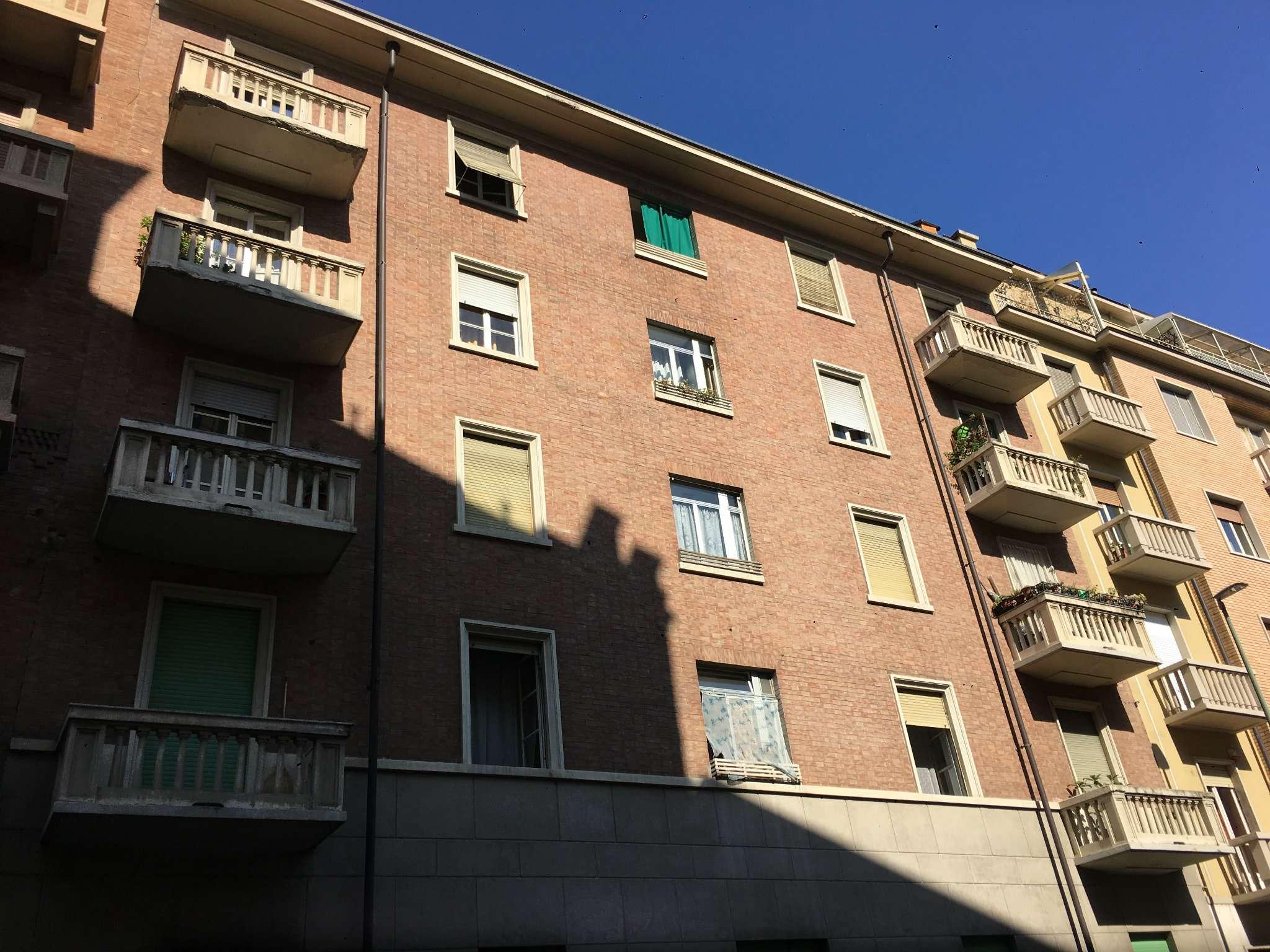 Bilocale Torino Via Zumaglia 1