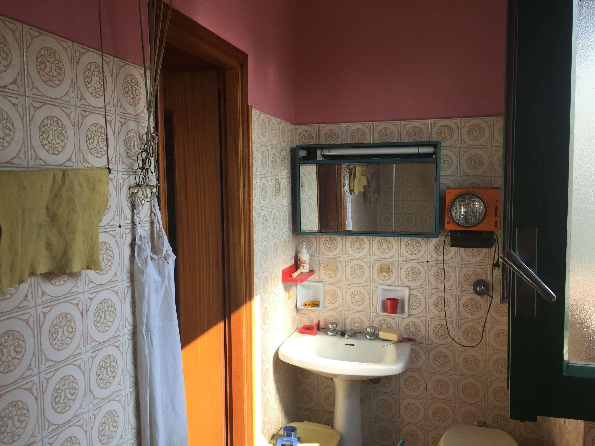 Bilocale Torino Via Val Della Torre 10
