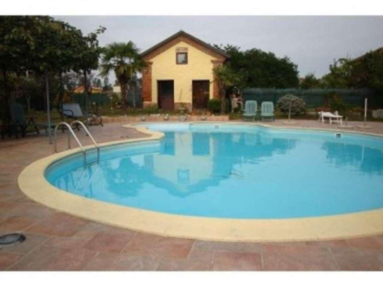 Rustico / Casale in vendita a Linarolo, 6 locali, prezzo € 700.000 | Cambio Casa.it