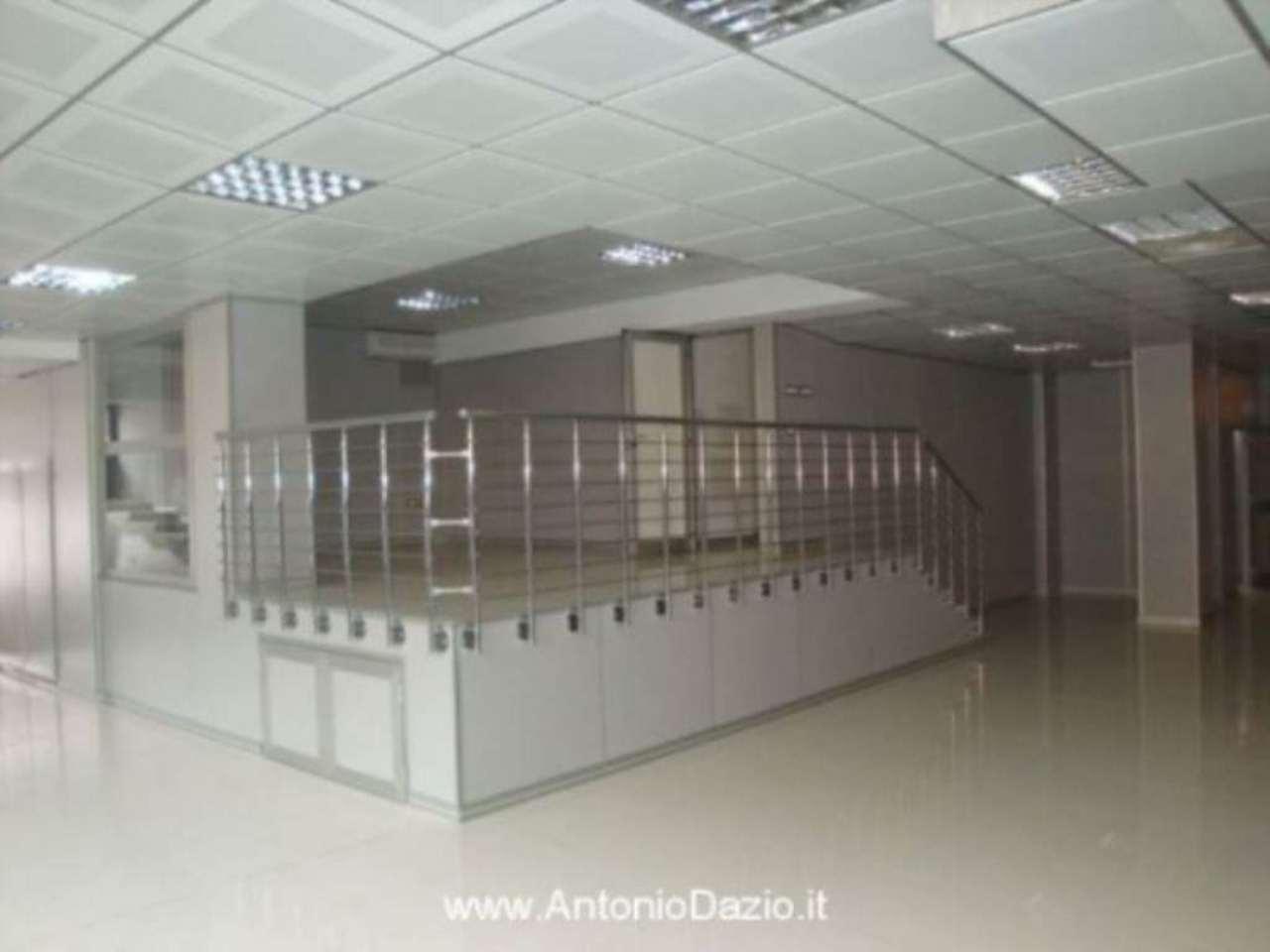 Negozio / Locale in vendita a Pavia, 6 locali, prezzo € 850.000 | Cambio Casa.it