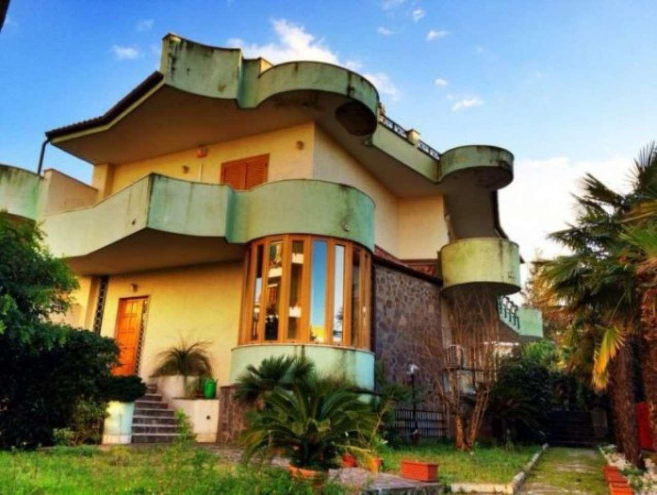 Villa in vendita a Somma Vesuviana, 15 locali, Trattative riservate | CambioCasa.it