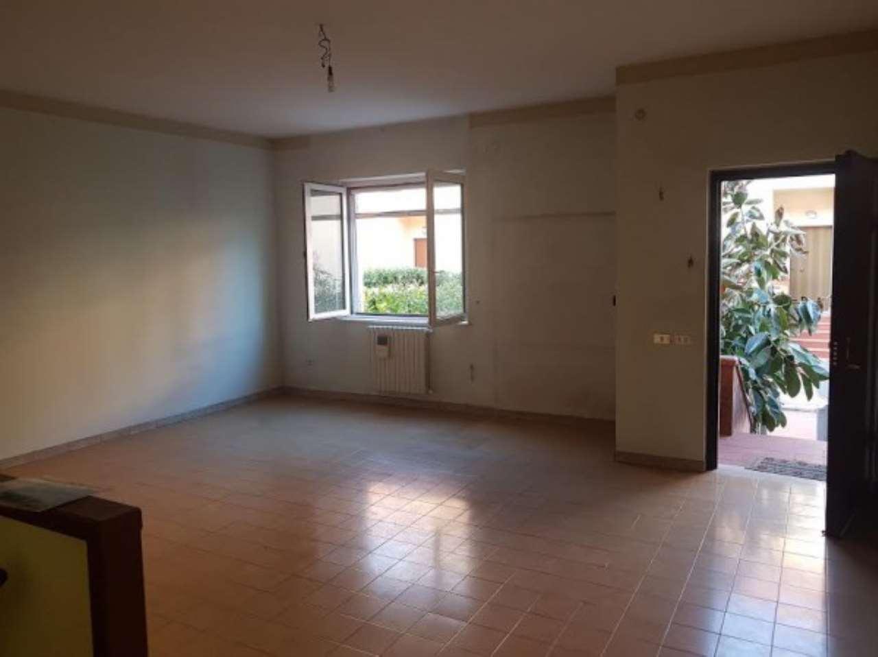 Villa in vendita a Nola, 6 locali, prezzo € 185.000 | CambioCasa.it