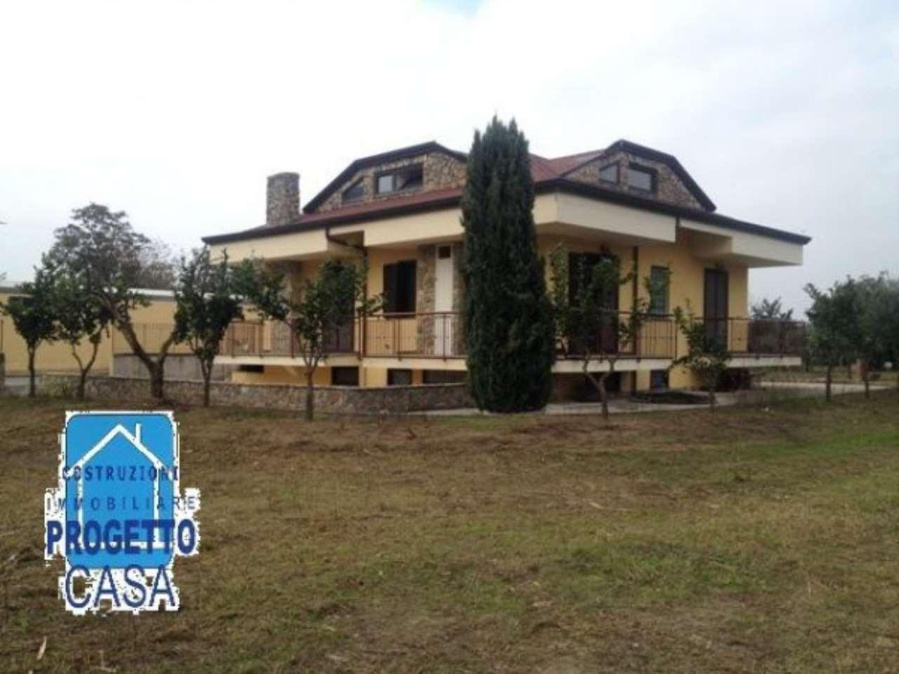 Villa in vendita a Casamarciano, 6 locali, Trattative riservate | CambioCasa.it