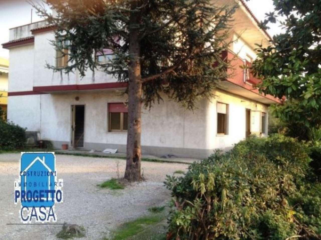 Palazzo-stabile Affitto Nola