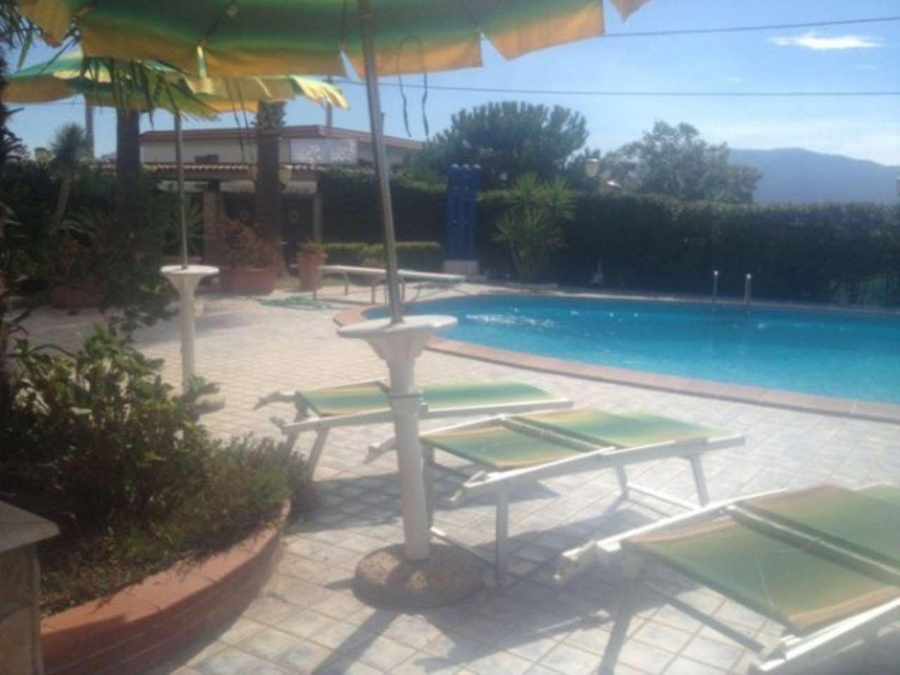 Villa in vendita a Trecase, 6 locali, Trattative riservate | CambioCasa.it