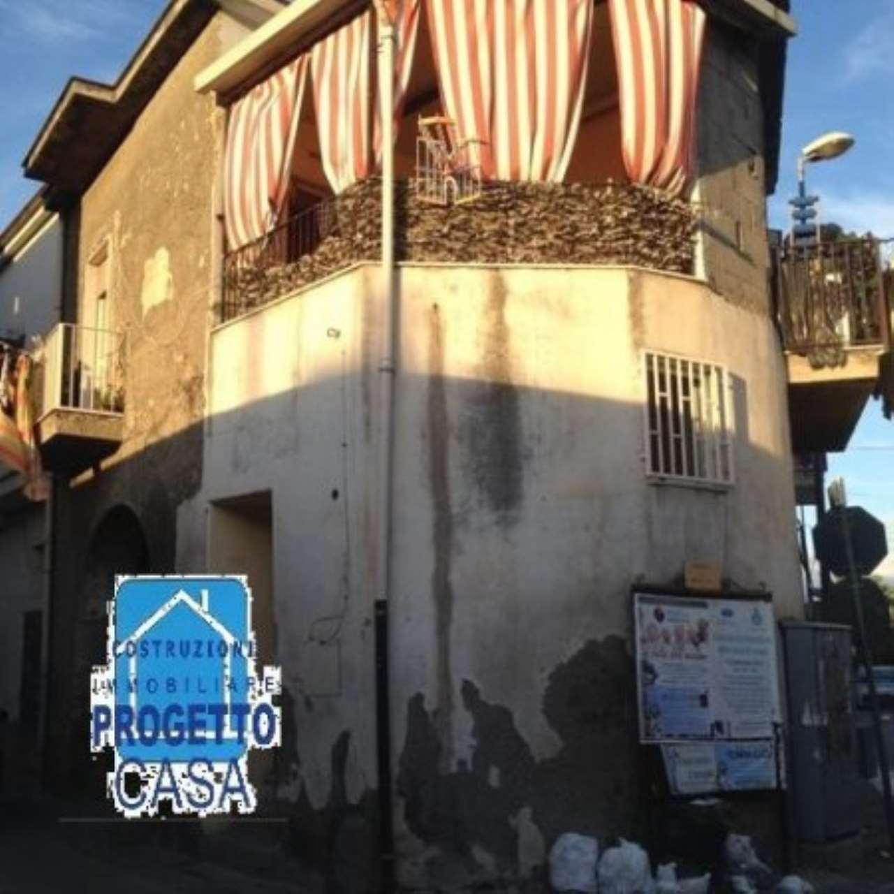 Soluzione Indipendente in vendita a Brusciano, 3 locali, prezzo € 60.000   CambioCasa.it