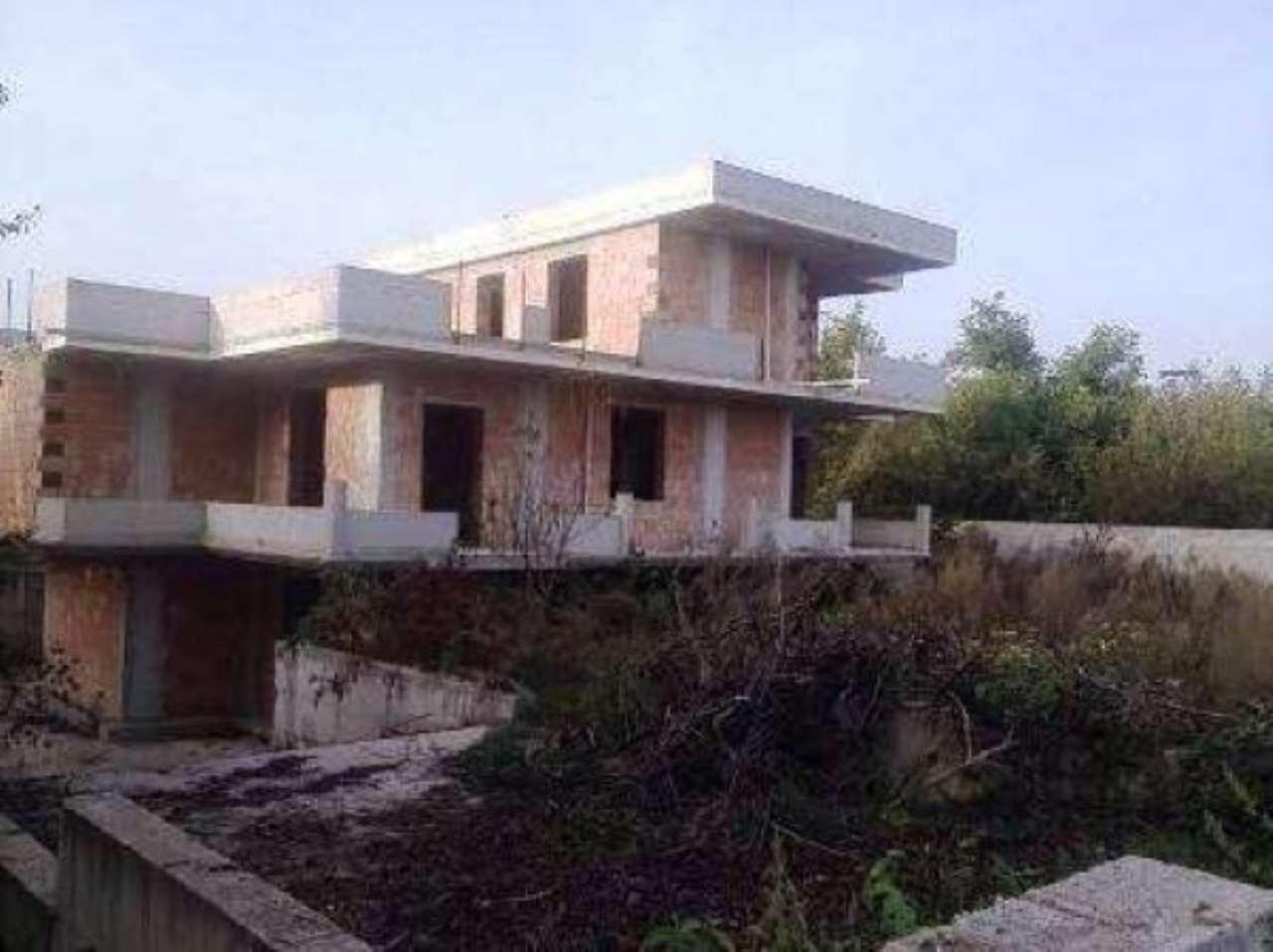 Villa in vendita a Saviano, 6 locali, prezzo € 270.000 | CambioCasa.it