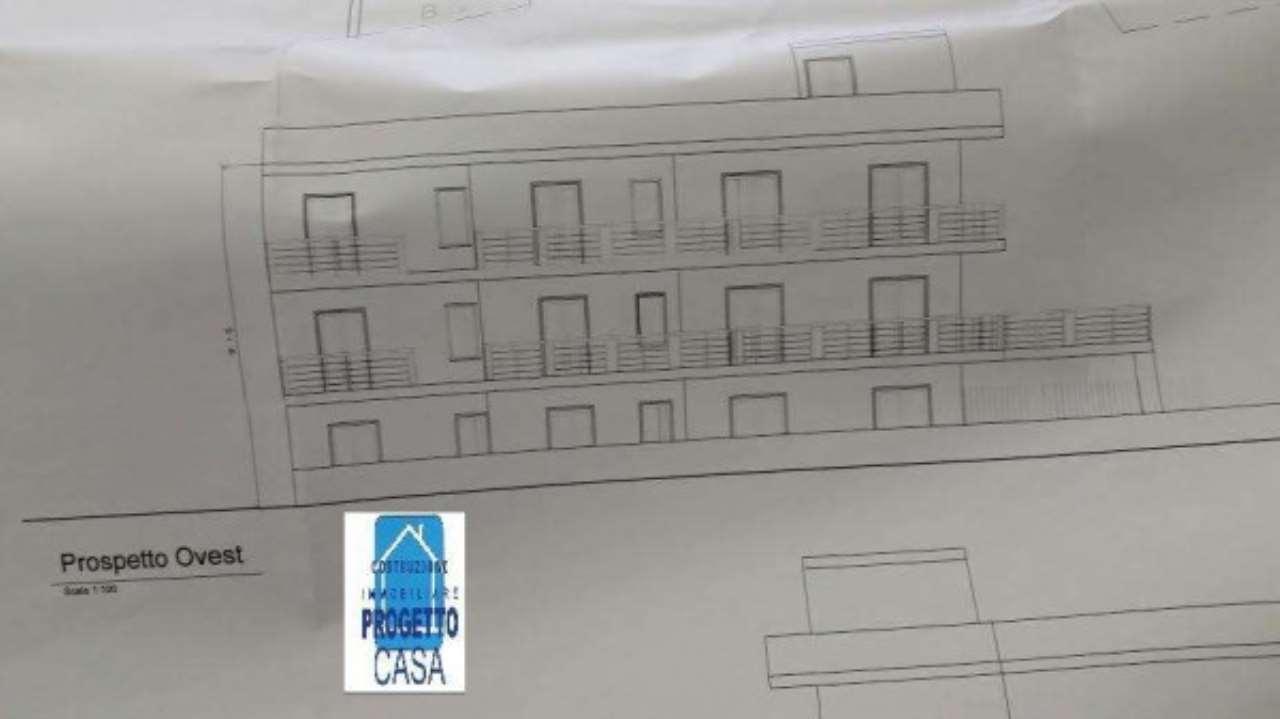 Palazzo / Stabile in vendita a Nola, 9999 locali, prezzo € 200.000   CambioCasa.it