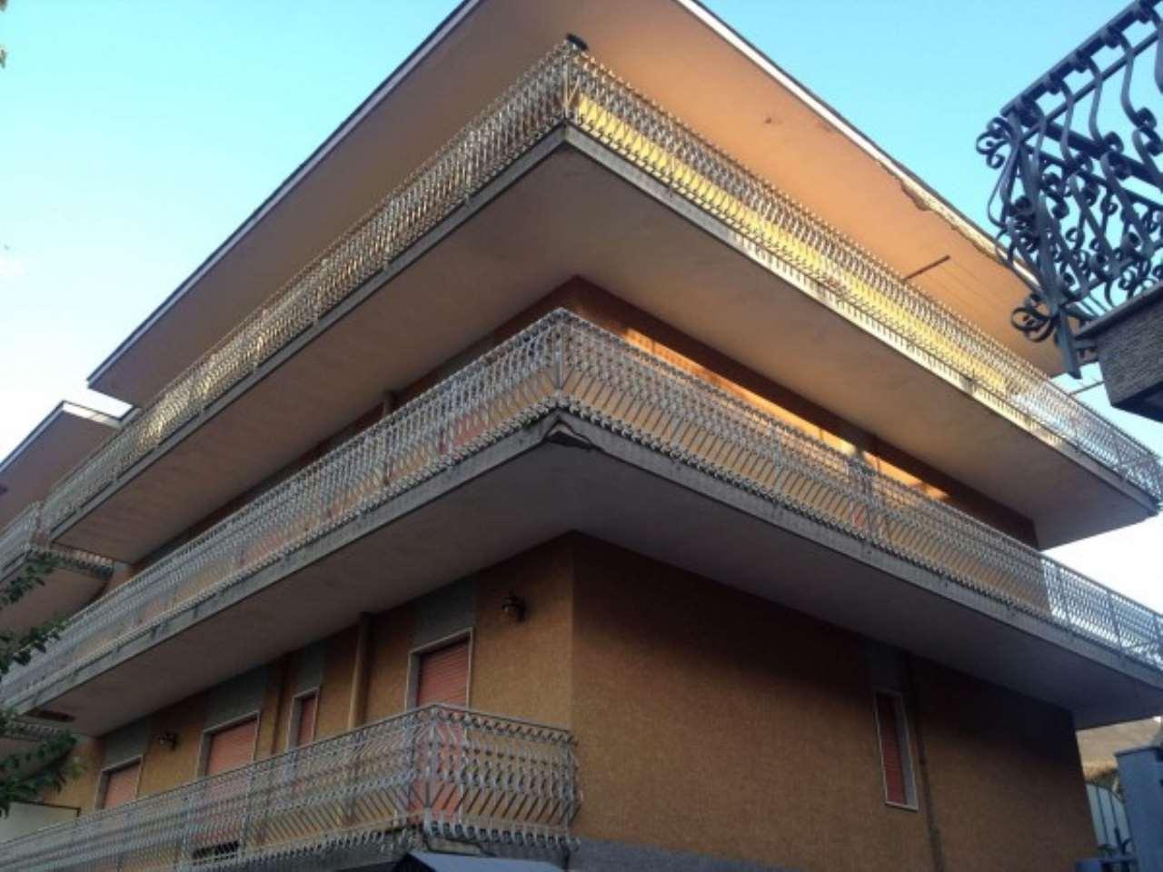 Palazzo / Stabile in vendita a Somma Vesuviana, 6 locali, Trattative riservate | CambioCasa.it