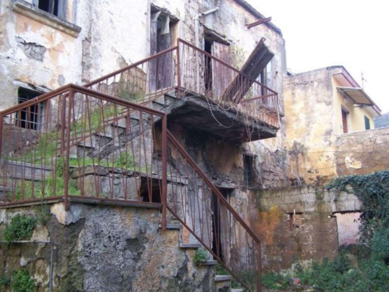 Soluzione Indipendente in vendita a Casamarciano, 6 locali, prezzo € 90.000 | CambioCasa.it