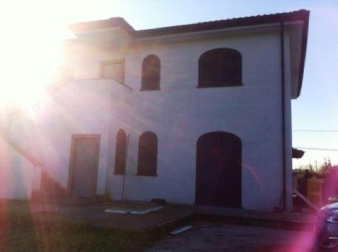 Albergo in affitto a Sant'Anastasia, 6 locali, Trattative riservate | CambioCasa.it